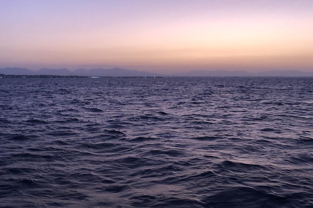 Katamaranausflug in den Sonnenuntergang